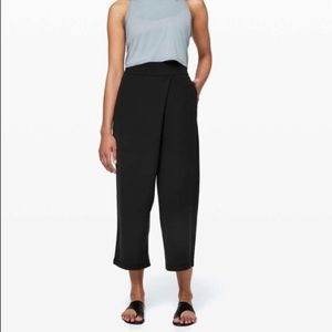 LULULEMON With The Flow black pants size 4
